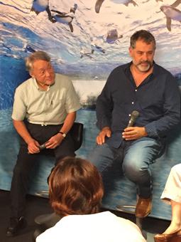 上田先生(左)とリュック・ジャケ監督(右)