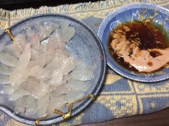 カワハギの刺身(肝醤油)